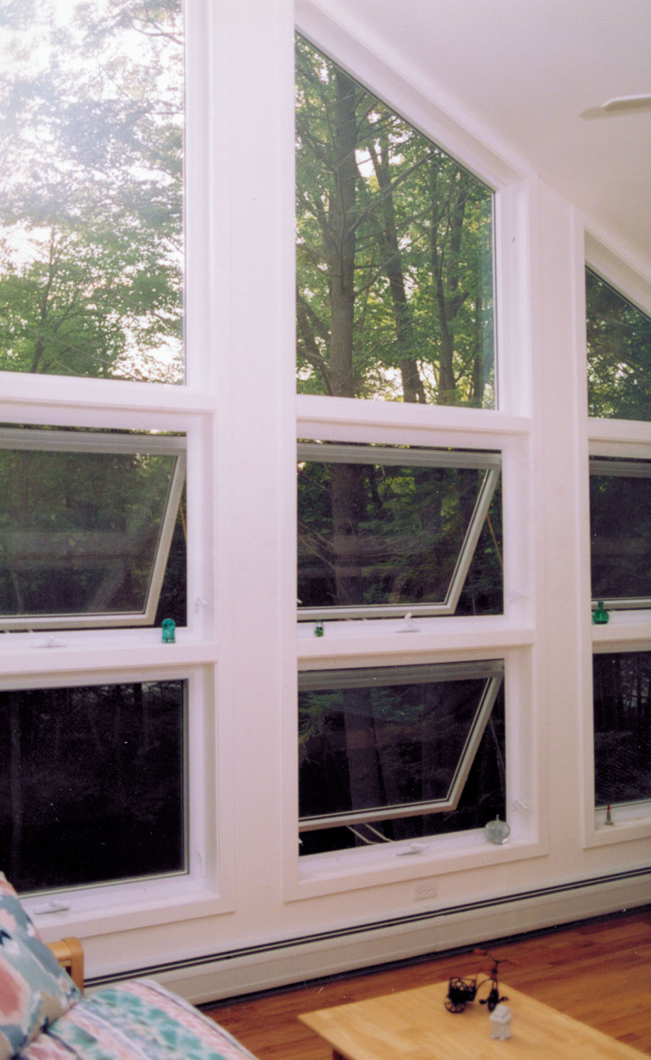 Vinyl replacement windows american window industries for Awning replacement windows